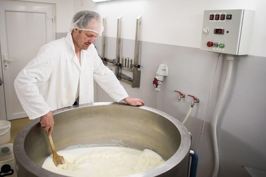 Znanje kot porok za bolj okusen in zdrav sir