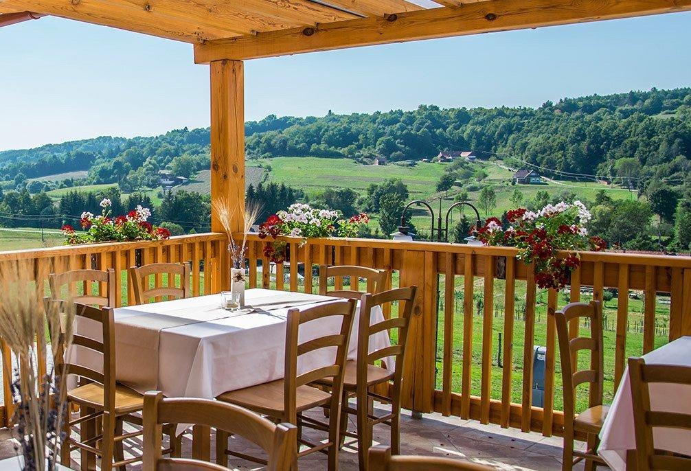 Vzorčna ekološka kmetija kot lokalno oporišče slovenstva na Madžarskem