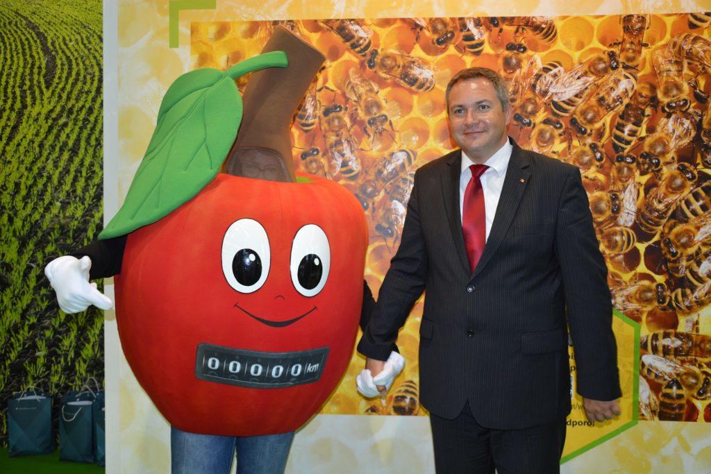 """Začetek promocijske kampanje """"Eno lokalno jabolko na dan…"""""""