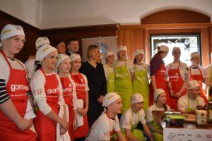 »Kuhna pa to« – otroci obujajo lokalno kuharsko tradicijo