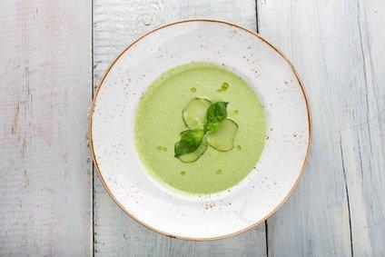 Hladna kumarična juha z jogurtom – recept