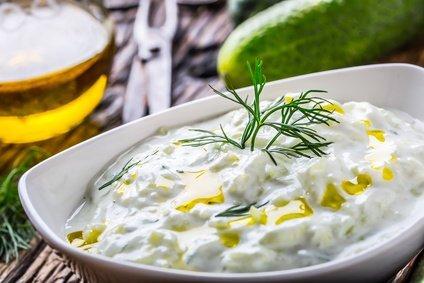 Kumarična solata s kislo smetano - recept