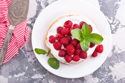 Malinova torta brez peke – recept