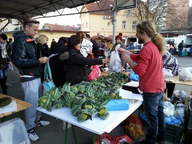Nakupujmo ekološka/lokalna živila skupaj (Ljubljana-Šiška)