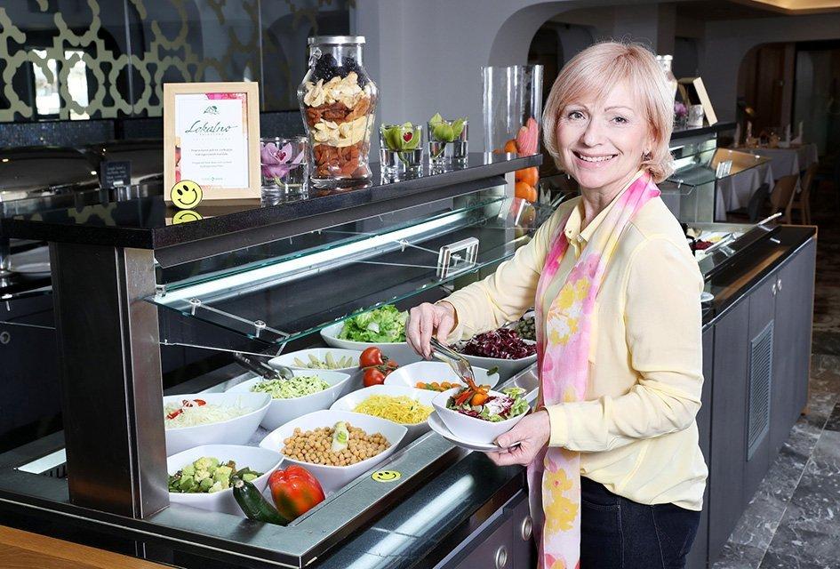 Hoteli in restavracije lahko z malo domišljije vključijo v jedilnik lokalno hrano