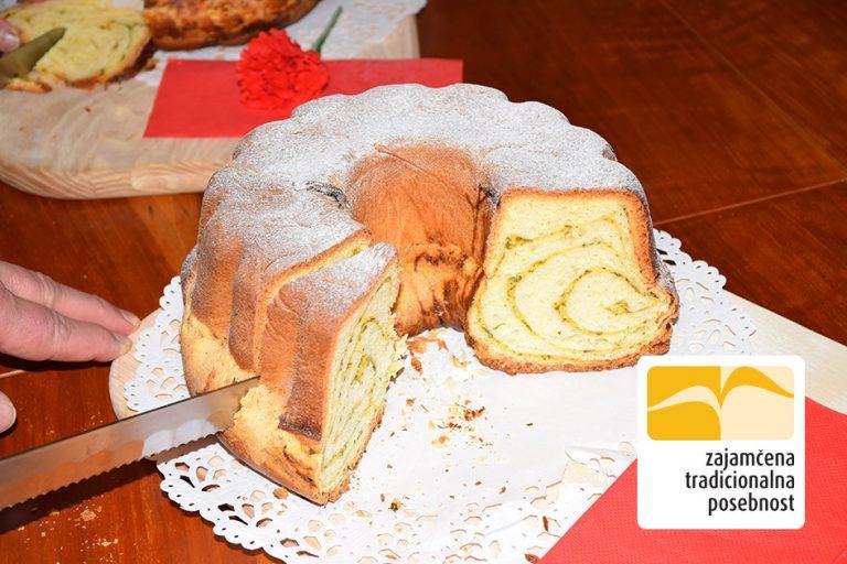 Slovenska potica – pehtranka s skuto - recept