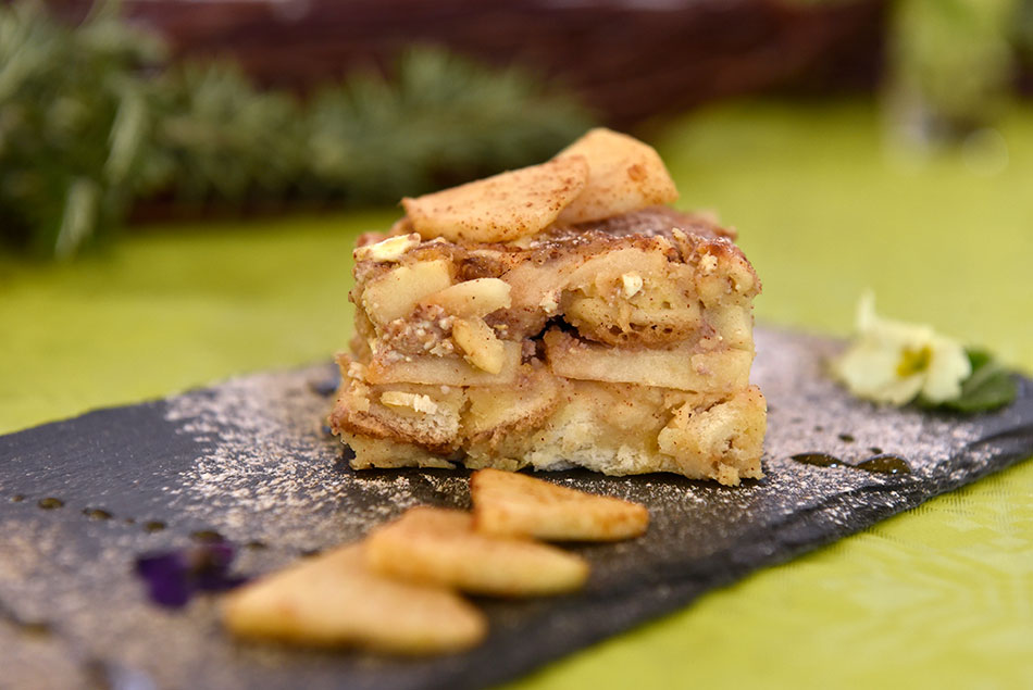Kruhov narastek z jabolki in orehi – recept