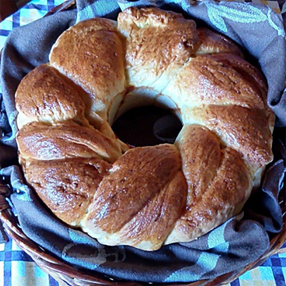 Domač kruh: velikonočna pletenka – recept
