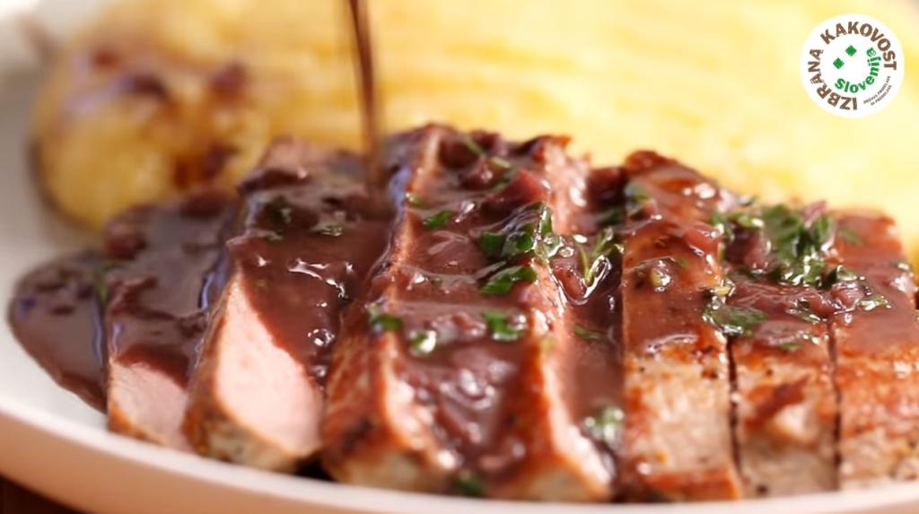 Goveji steak v vinski omaki – video recept