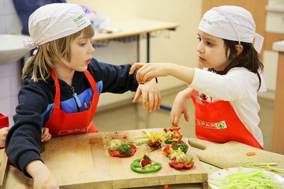 Otroci - lokalna hrana