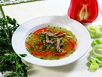 Bistra jagnječja juha z mesom in zelenjavo