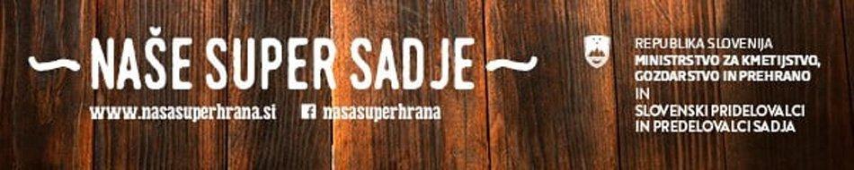 Logotip Naše super sadje na leseni podlagi