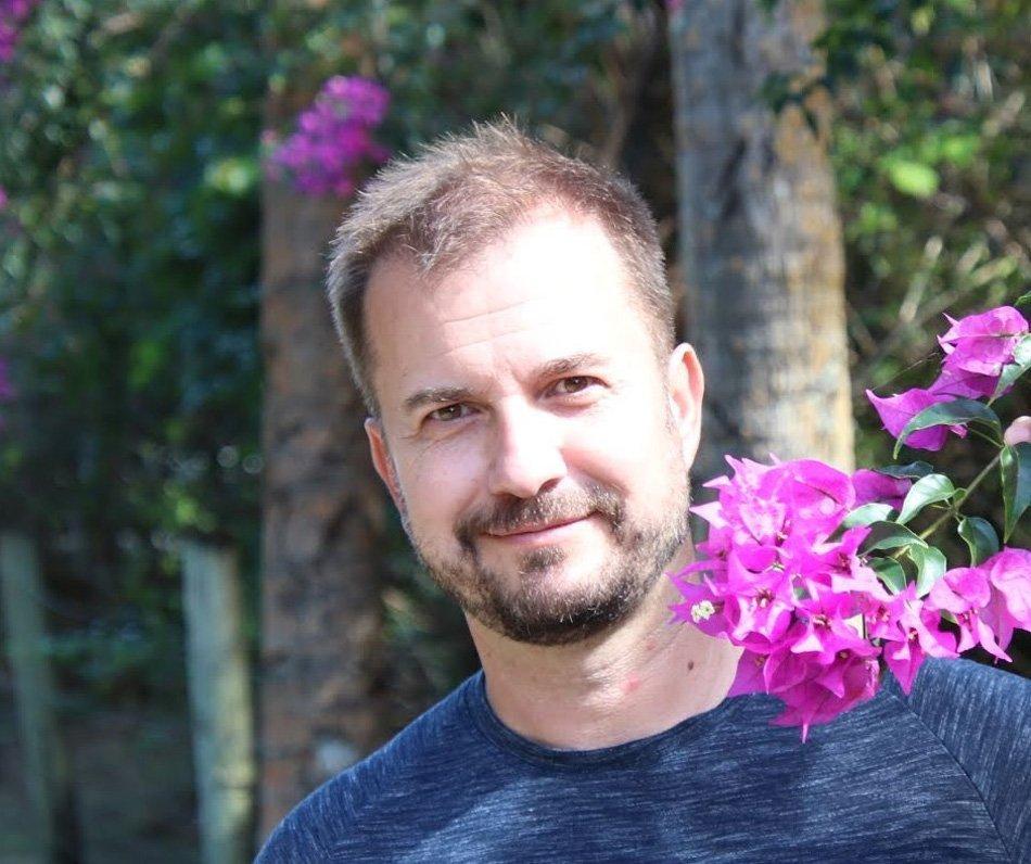 Dr. Robert Verebič